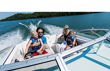 Family on Boat, boat towing insurance, tow boats